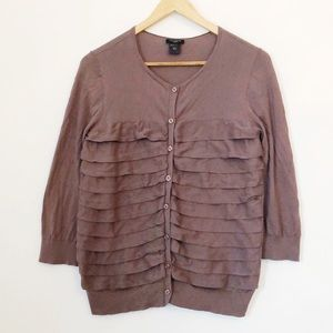 ⚡️3 for $25⚡️ ANN TAYLOR Tiered Ruffle Cardigan